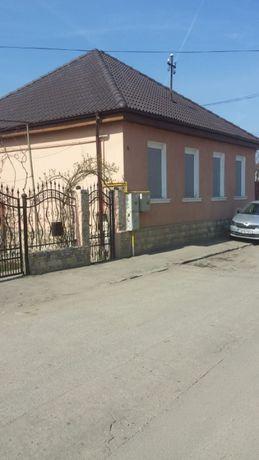 Casa cu teren 720 mp in Medias, curte superba, aproape de centru.