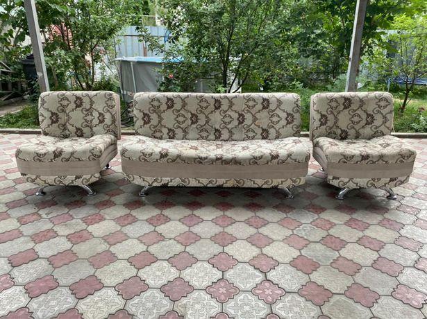 Продам диван с двумя креслами+доставка