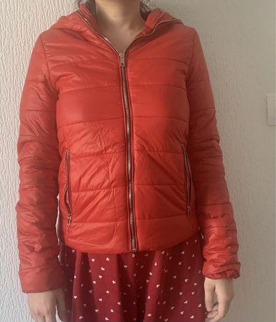 Весенняя куртка Bershka