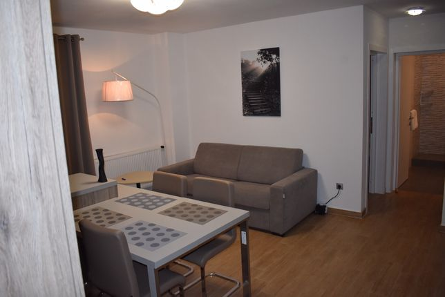 Inchiriez apartament in regim hotelier 3 camere langa Shopping City