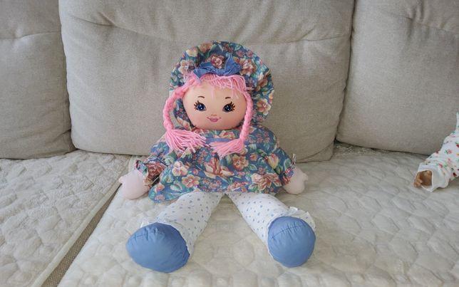 Продам куклу мягкую в отличном состоянии. Рост 50 см. Можем доставить