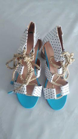 Обувь женская. Летняя
