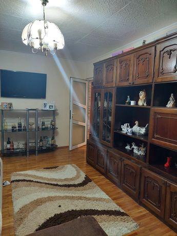 Schimb apartament 2 camere cu casa