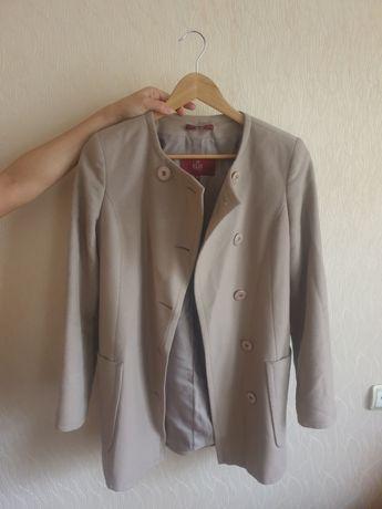 Элегантное пальто фирмы ELIS