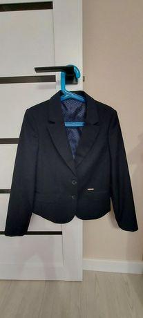 Продам пиджак школьный для девочки