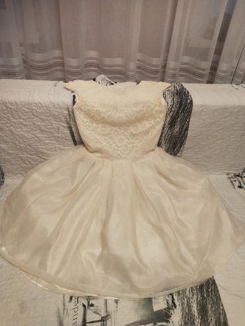 Продам платье молочного цвета