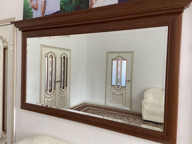 Зеркало с комодом