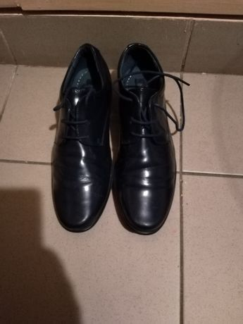 Pantofi albaștri de lac nr. 38