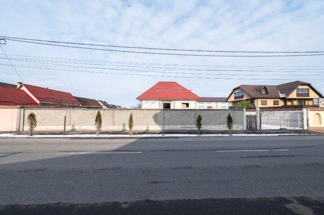Casa la rosu cu 2321 mp teren in Codlea, Brasov