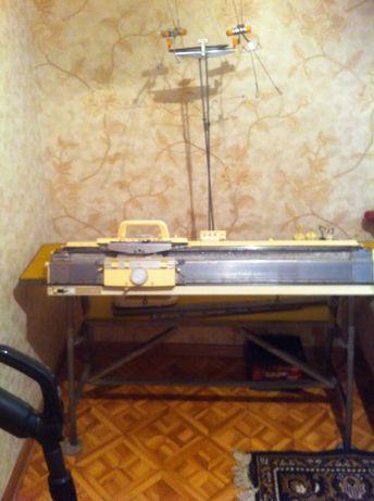 Продам вязальную машину Simak(KR-830)