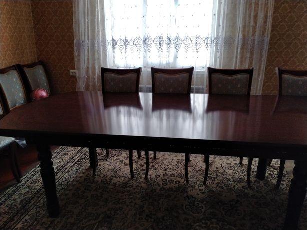 Стол для гостинный
