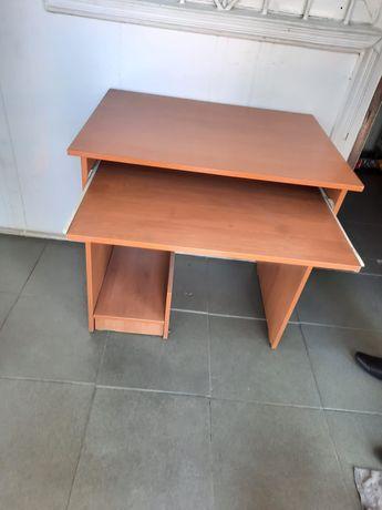Продам компьютерный стол!!!  За копейки!!!