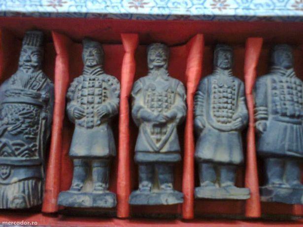 Statui de teracota