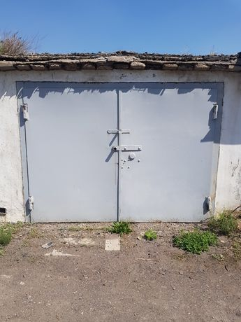 Продам гараж на проспекте
