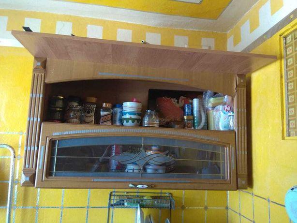 продам бу кухонные навесные шкафы