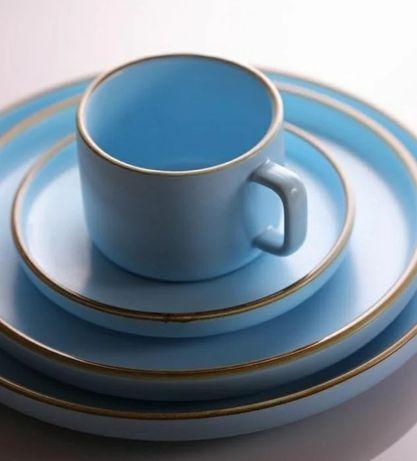 Керамика посудалар сатылады. 32 предмет На 6 персон.
