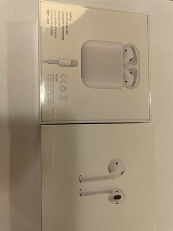 Слушалки Apple Airpods with charging case