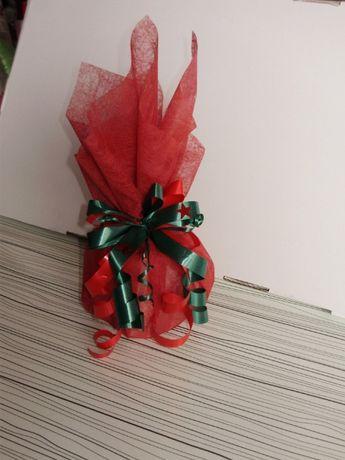 Опаковане на подаръци и пликове за пари, картички за всеки повод