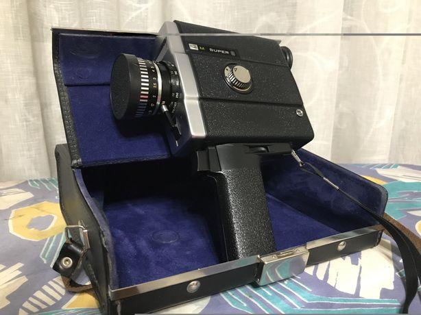 Советская кинокамера СССР ЛОМО 214
