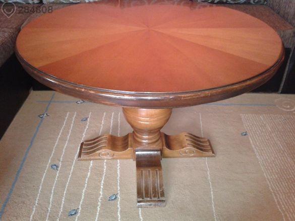 Антична,масивна, дървена маса,резбована.