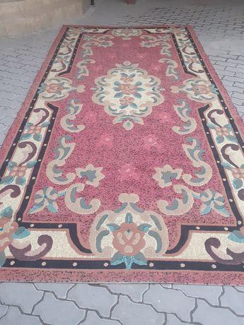 Продам ковёр 3.80 на 2.10