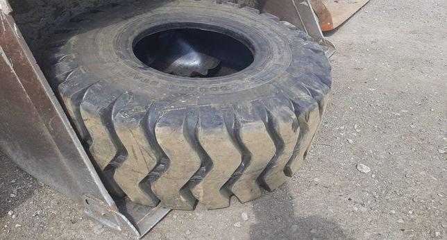 Новая шина на погрузчик