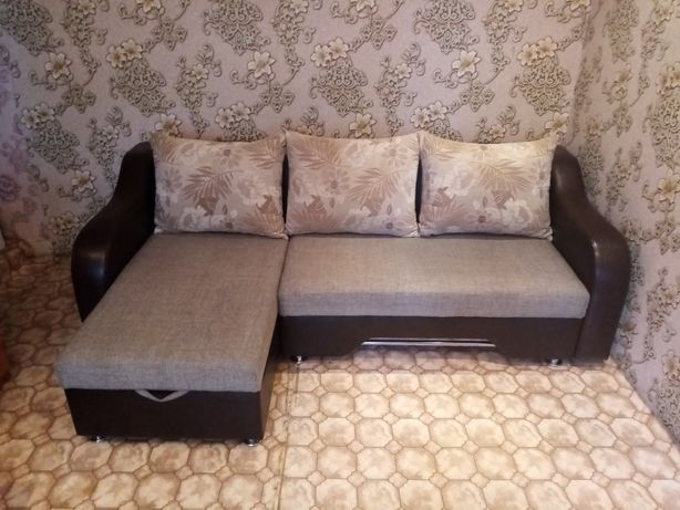 Продам угловой диван в отличном состоянии