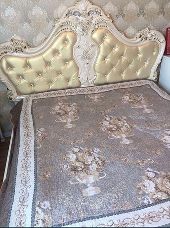 Кровать вместе тумбочка