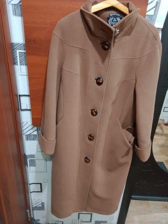 Продам пальто женское