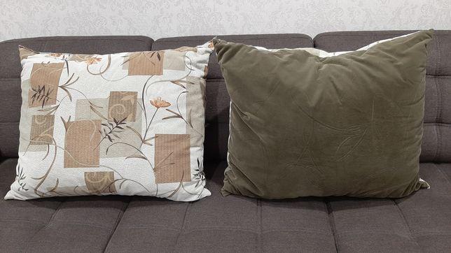 Продам две больших подушки