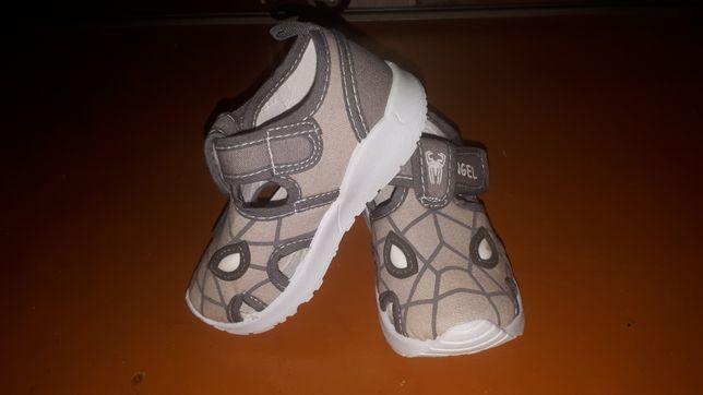 Новые сандалии, 23 размера