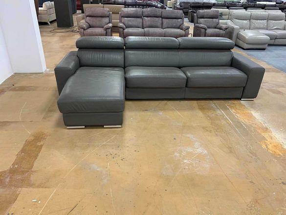 Сив кожен ъглов диван с функция легло и ракла