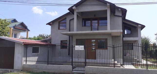 Vila de vanzare la intrare Limanu