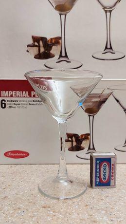 Подарок, высокие бокалы/стаканы для мартини и коктейлей 6 штук.