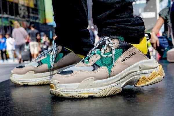 Кроссовки ( Nike, Adidas, New Balance, Balenciaga )