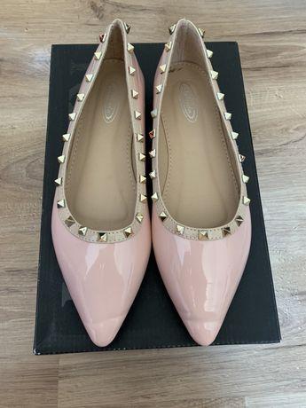 НОВИ Дамски обувки тип Пантофки