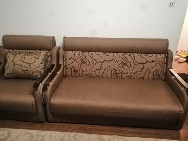 Canapea și fotoliu extensibile
