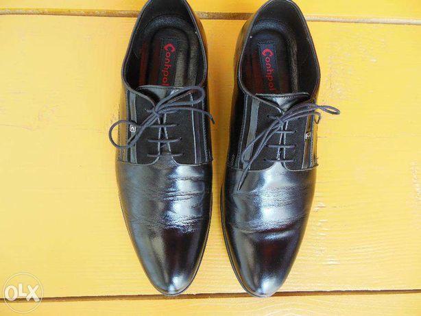 Pantofi mărimea 42
