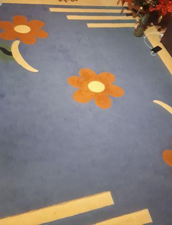 Covor dimensiune  2,5/3,5 decor floral