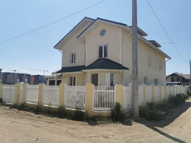 Casa cu etaj si mansarda/Vila pretabila afaceri: gradinita, restaurant
