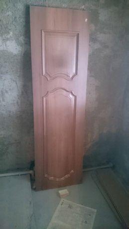 межкомнатный дверь, глухой новый, коричневый цвет