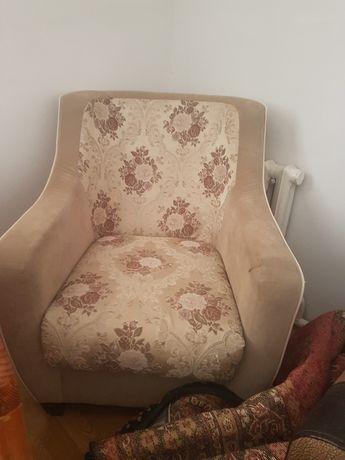 Срочно продаю кресло