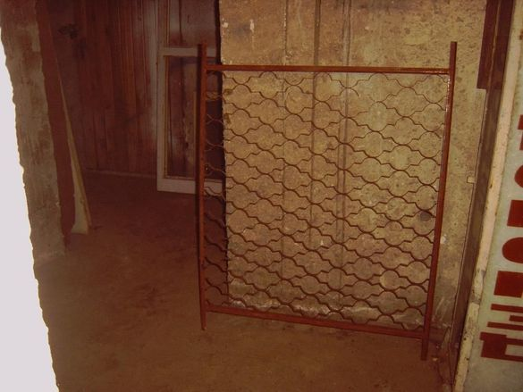 Решетки за прозорец , ограда .Колела