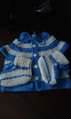 Детско плетено комплектче