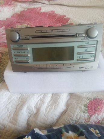 Магнитофон на  Toyota Camry 40