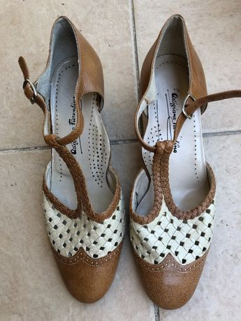 Продавам обувки естествена кожа