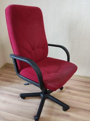 Кресло офисное. Комфорт