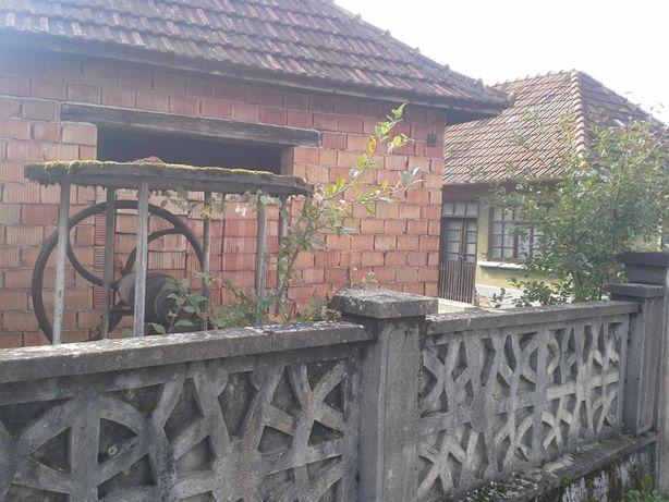 Casa in rosu, Ocazie Munte Beznea-Piatra Craiului,Cornitel,Delureni