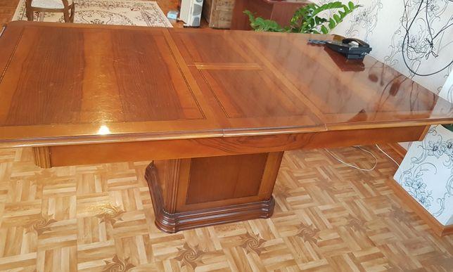 Қонақ бөлме столы