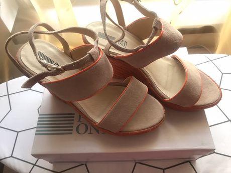 Нови сандали Pier One 39 номер, естествена кожа